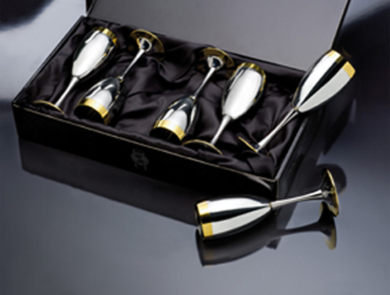 Masterpiece Collection's Drinking Sets come in beautifully packaged gift box.